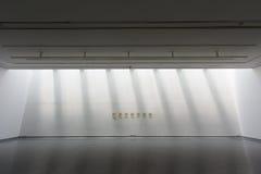 白色美术画廊 库存照片