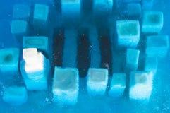 白色膏药城市充斥与蓝色环氧树脂 免版税库存图片