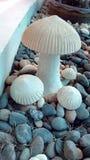 白色蘑菇雕象 图库摄影