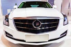 白色车的卡迪拉克 库存图片