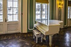 白色钢琴, КаÐ'риР¾ рР³,爱沙尼亚 库存图片