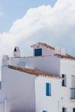 白色门面在弗里希利亚纳村庄,安大路西亚,西班牙 库存图片