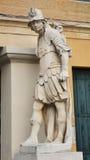白色雕象和S 自由广场, Castelfranco,意大利 库存照片