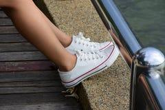 白色鞋子 免版税库存图片
