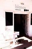 白色餐馆在沙漠 库存照片