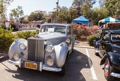 白色1949年劳斯莱斯银黎明轿车 库存照片