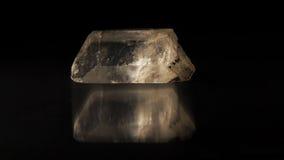 白色水晶- Î铝铁岩 库存照片