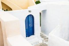 白色建筑学在希腊 免版税库存图片