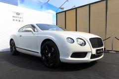 白色bentley大型高级轿车 库存图片