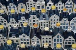 白色KLM瓦器运河房子 免版税图库摄影