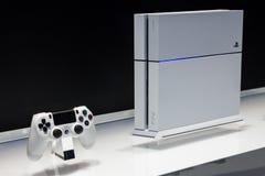 白色PlayStation 4 库存图片