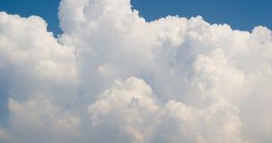 白色somke喜欢云彩timelapse 4K英尺长度 股票录像