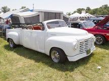 白色Studebaker敞篷车 免版税库存图片