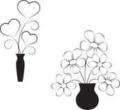 白花、Balck和白色心脏 免版税库存照片