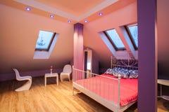 白苋家的甜卧室 图库摄影