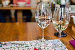 水白葡萄酒 免版税库存图片