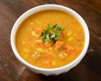 白薯在碗的玉米汤 免版税库存照片
