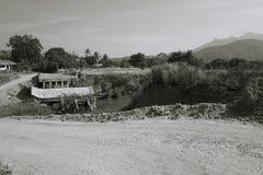 黑白被毁坏的桥梁 免版税库存照片