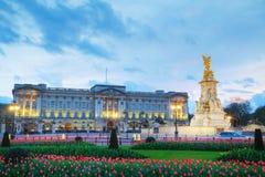 白金汉宫在伦敦,大英国 免版税库存图片