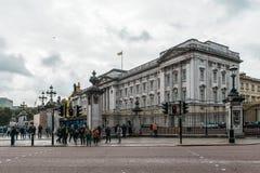 白金汉宫在伦敦,英国 免版税库存照片