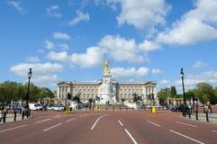 白金汉宫在伦敦 图库摄影