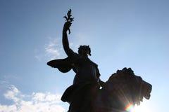 白金汉宫雕象胜利 库存照片