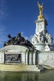 白金汉宫-伦敦-英国 免版税库存图片