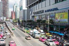 白金购物时尚购物中心在2017年8月11日的曼谷泰国 免版税库存图片