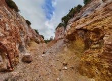 白陶土矿, Quattropani在利帕里岛,风神海岛,西西里岛,意大利 免版税库存图片