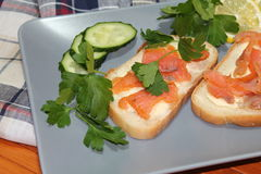白面包三明治与红色鱼和黄油的 免版税图库摄影
