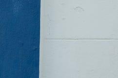 白水泥和蓝色水泥 库存照片