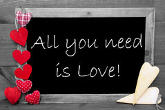 黑白Blackbord,心脏,您需要的全部是爱 免版税库存图片