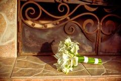 百合美丽的花束新娘 库存照片