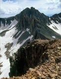 从百年峰顶,拉普拉塔山,圣胡安国家森林,科罗拉多山顶的淡紫色峰顶  库存照片