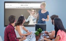 给介绍的偶然女实业家的综合图象她的同事 免版税库存照片