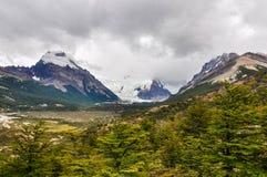 从的冰川,塞罗Torre, El Chalten,阿根廷 免版税库存照片