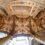 画廊的华丽天花板在Palazzo Ve的庭院里 图库摄影