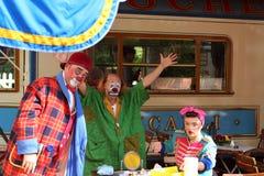 他们的咖啡休息的小丑 免版税图库摄影