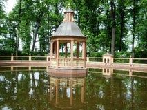 水的圣彼德堡一点房子 图库摄影