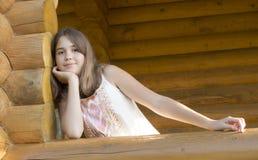 13年的女孩的画象。 免版税库存照片