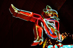 的女牛仔霓虹灯广告拉斯维加斯,美国 免版税库存图片