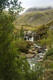 翻滚的山小河 库存图片