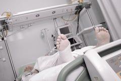 死的患者极度痛苦在医院 免版税图库摄影