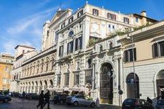 的教会老经典大厦在罗马,意大利 库存照片