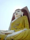 1 4他的方向4在缅甸寺庙指向的菩萨 库存照片
