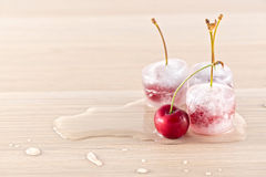 冻结的樱桃 库存照片