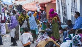 他们的每日定期活动的人们几乎未改变地在超过四百年 哈勒尔 埃塞俄比亚 免版税库存图片
