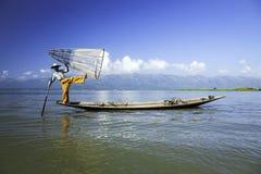 水的渔夫 库存照片