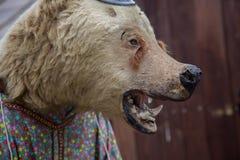 死的熊没有眼睛传统俄国布料关闭 库存照片