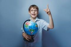 10年的男孩欧洲出现与 免版税图库摄影